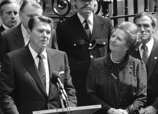 Papers: Brits courted Reagan despite faux pas over queen