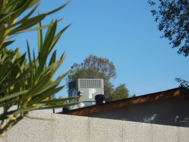 A rooftop AC system