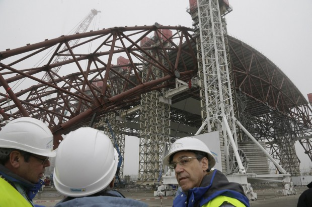 Shelter for Chernobyl site takes shape; finish by '15