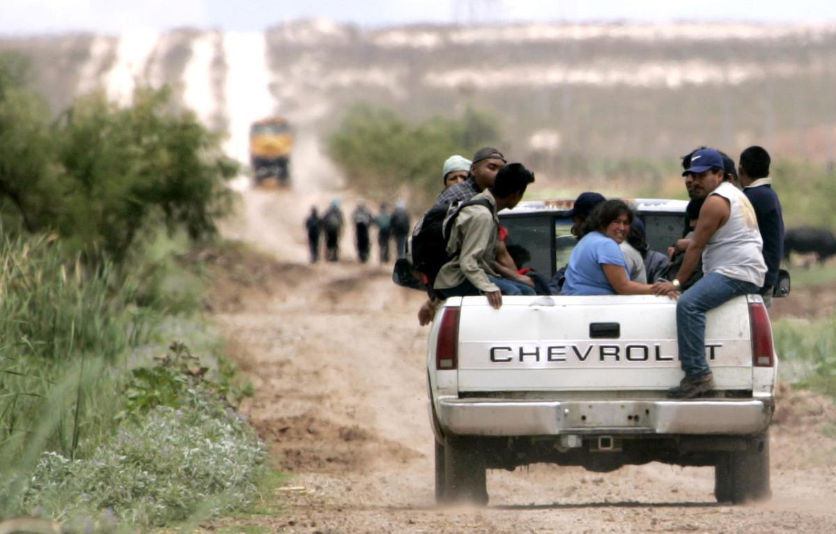 Arizona Daily Star 2006 Border Project