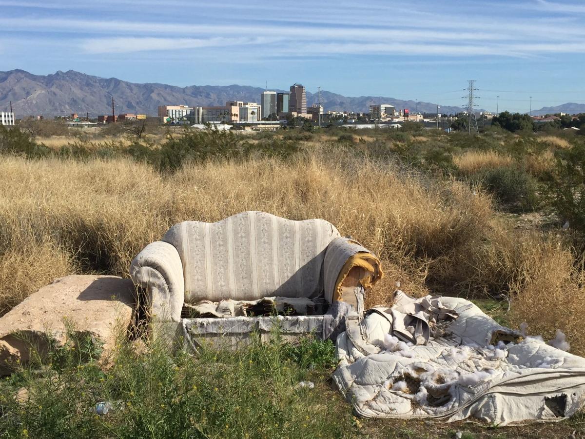 A Mountain landfill español