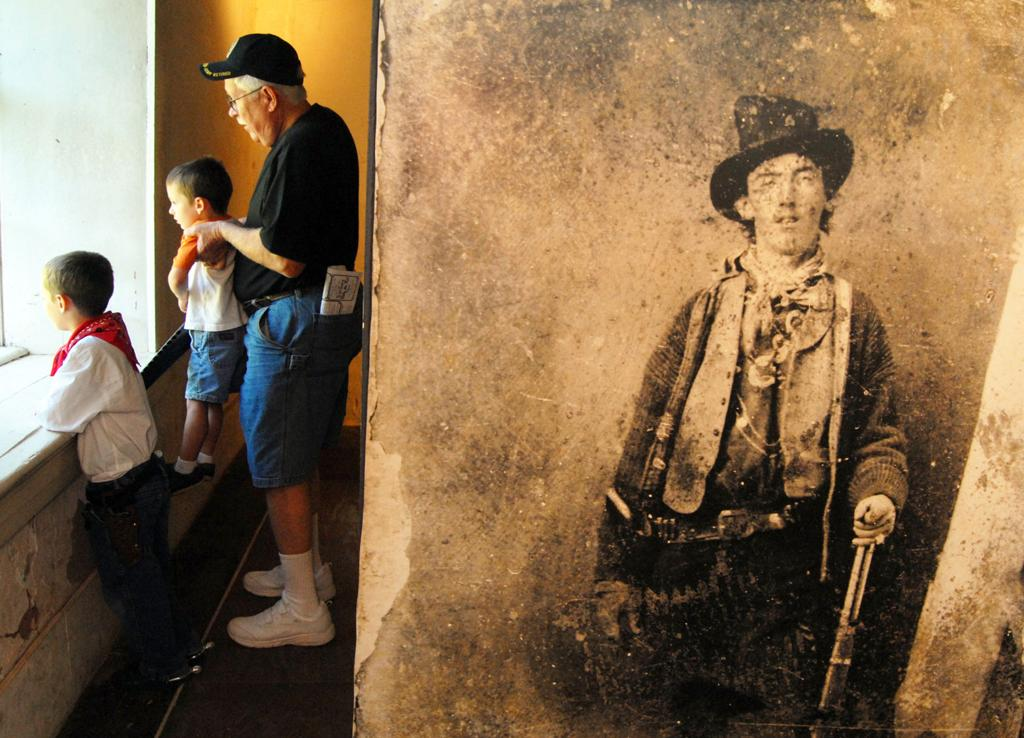 Tombstone gunfight re-enactor could face charges   Local