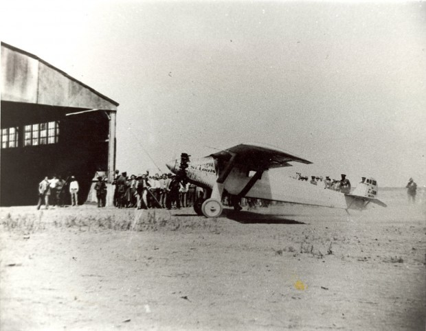 1927: Lindbergh touches down in Tucson