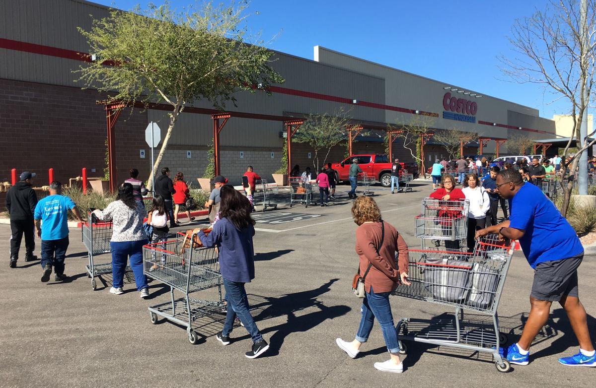 Line for supplies, Tucson, coronavirus