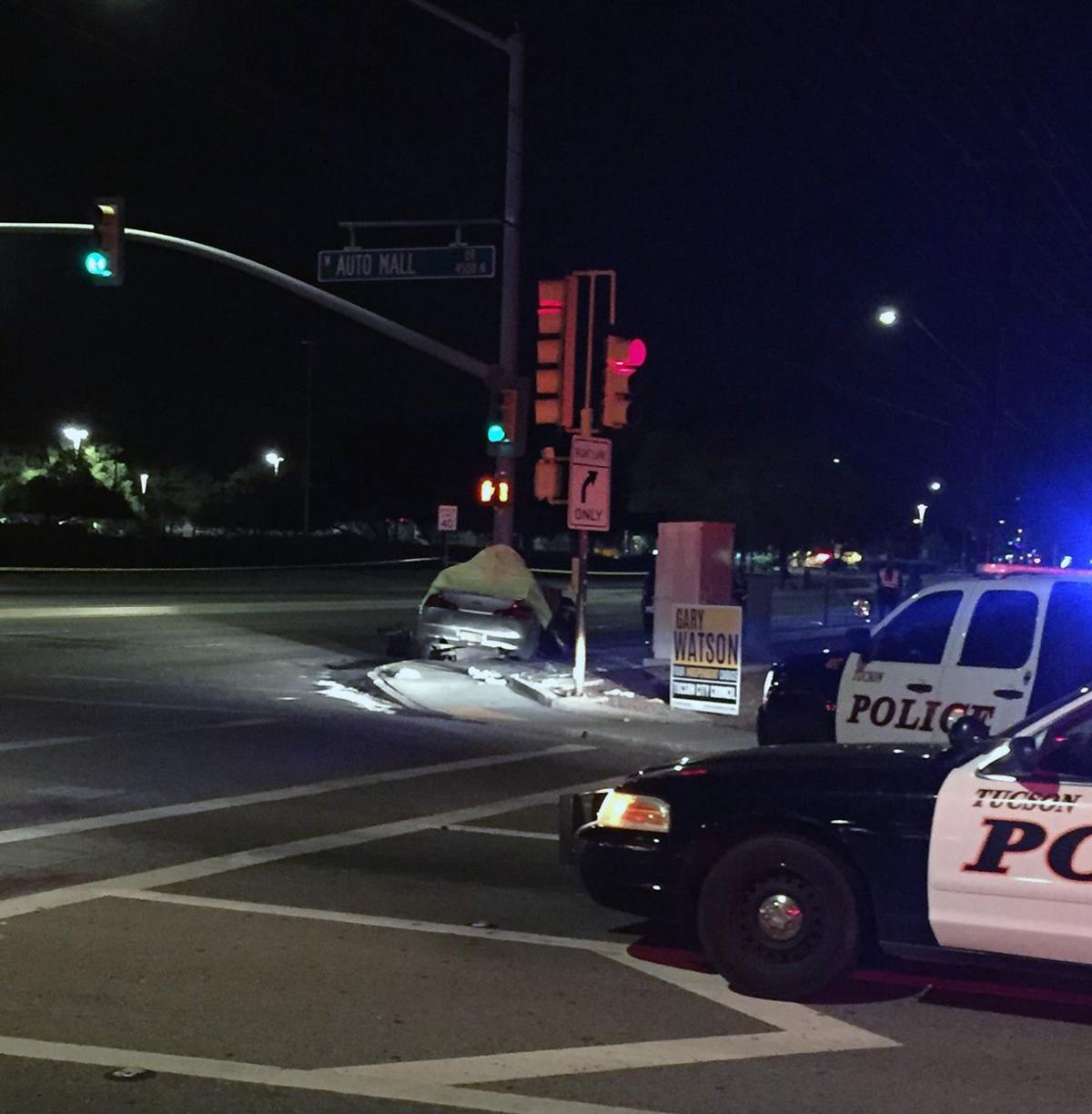 Tucson police ID man killed in North Oracle Road crash
