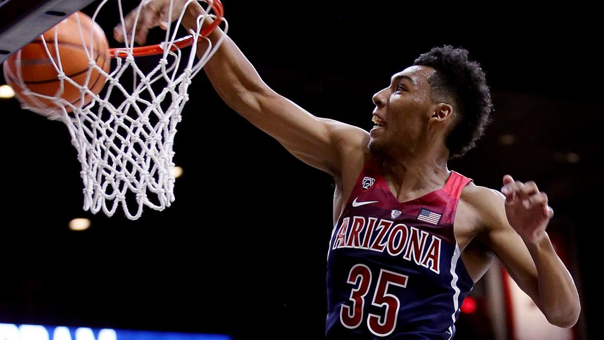 Hansen's Sunday Notebook: FBI decision means postseason, Final Four in play for Sean Miller, Arizona Wildcats
