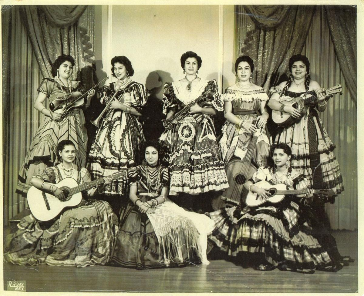 Mujeres Mariachis