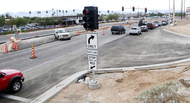 Indirect Turning Lanes at Ina & Oracle