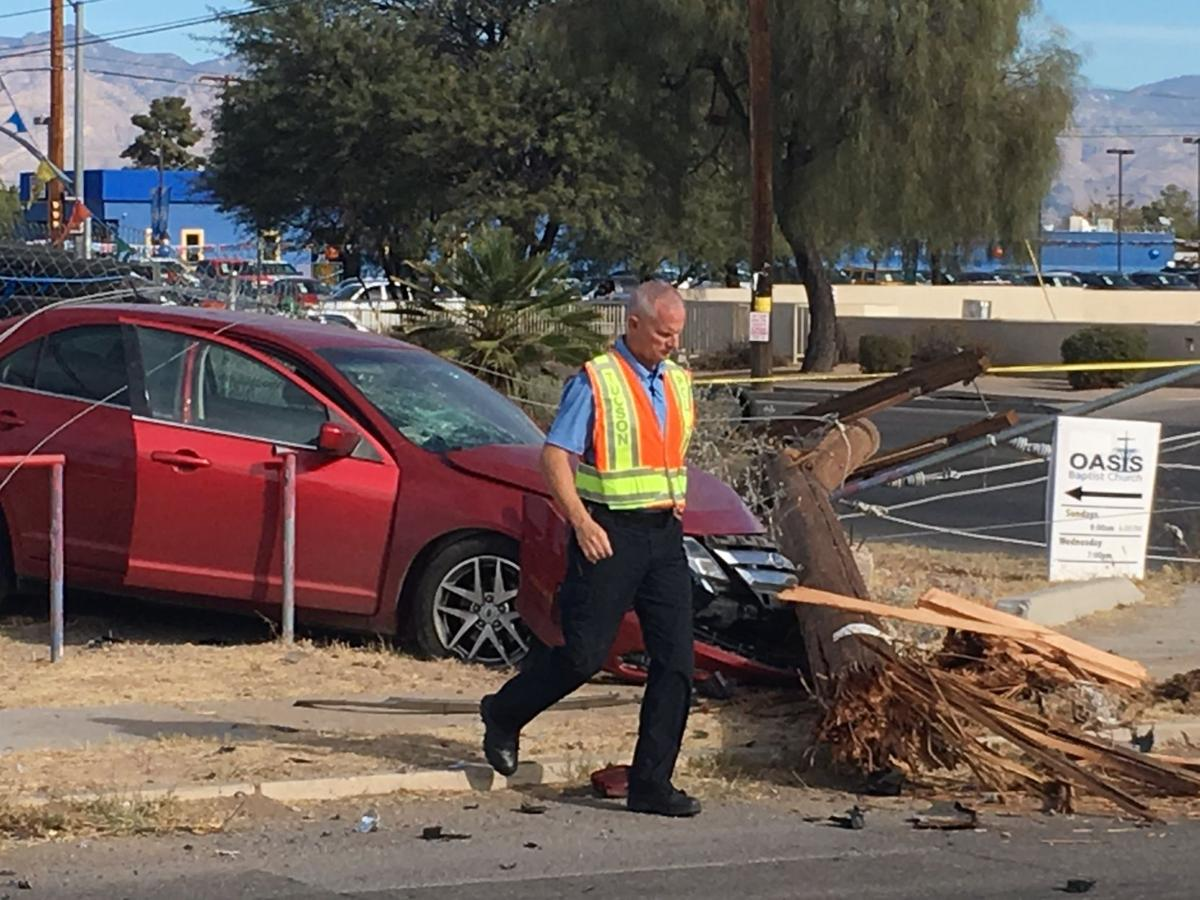 Crash of carjacked car knocks power out on Tucson's south side