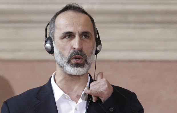 Rebel coalition president quits, plunging Syrian opposition into disarray