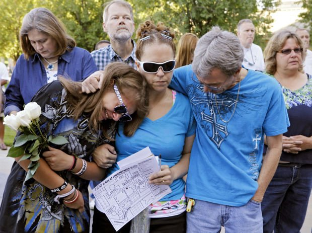 Aurora solemnly marks 1 year since mass shooting
