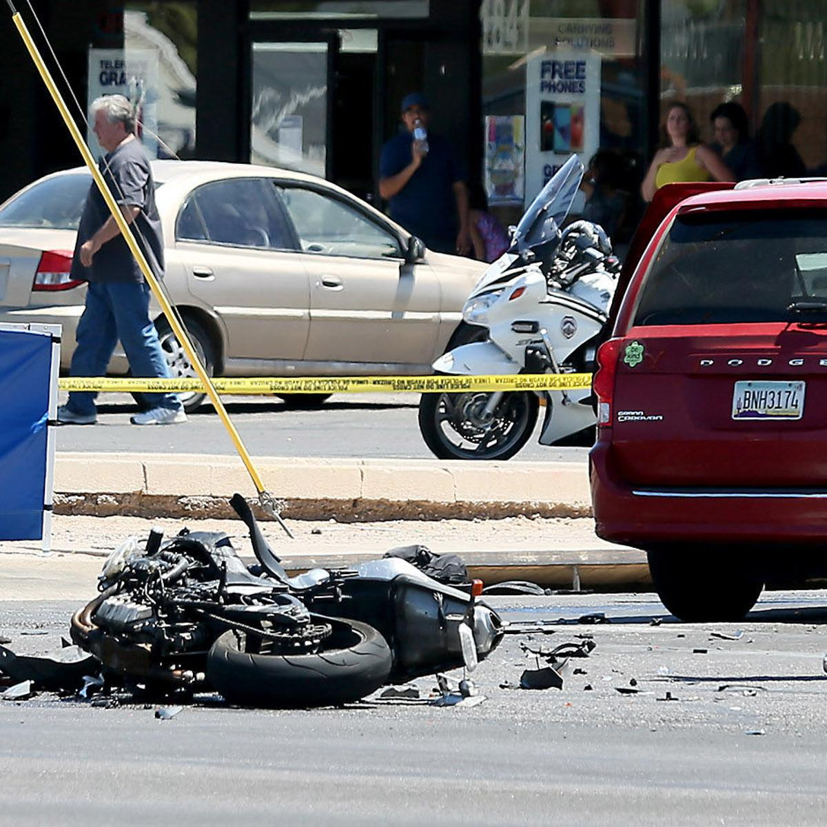 Tucson motorcyclist, 25, killed in crash with van   Local