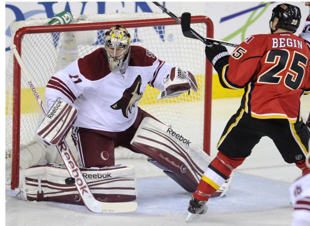 NHL: OT loss keeps Coyotes from gaining on Wings