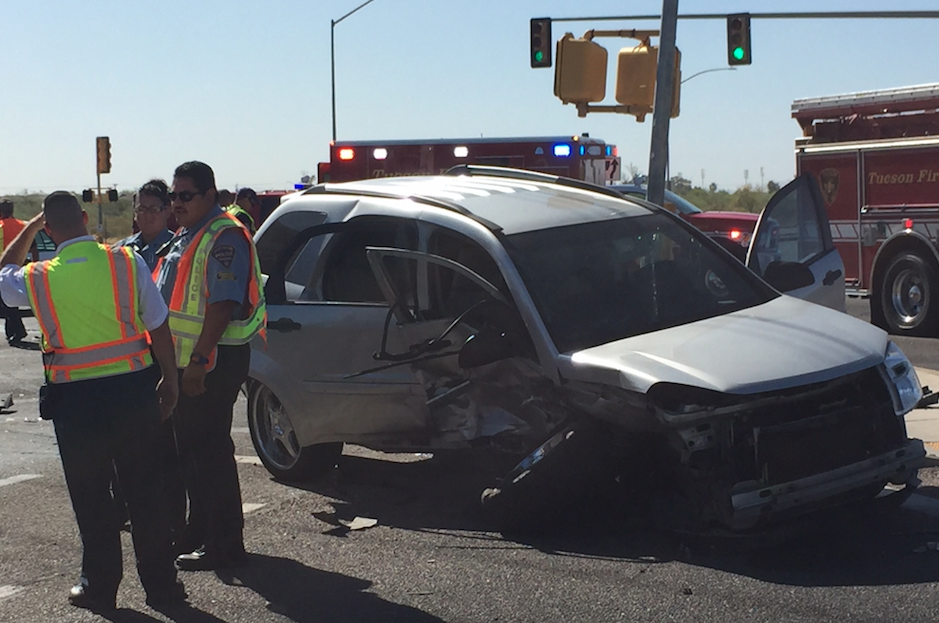 Friday morning crash in Tucson sends two to hospital | Tucson.com
