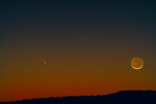 Comet Pan-STARRS and a crescent moon over Payson