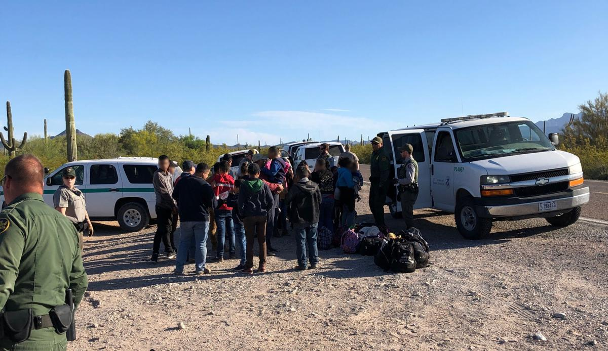 Large group of migrants surrender near Lukeville on April 16