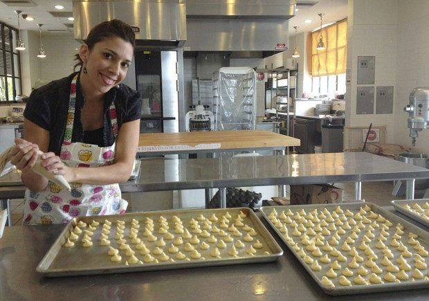 Baker's éclairs to hit big time with celebs at Golden Globes