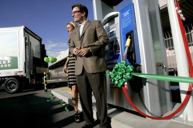 Golden Eagle opens compressed natural gas station to public