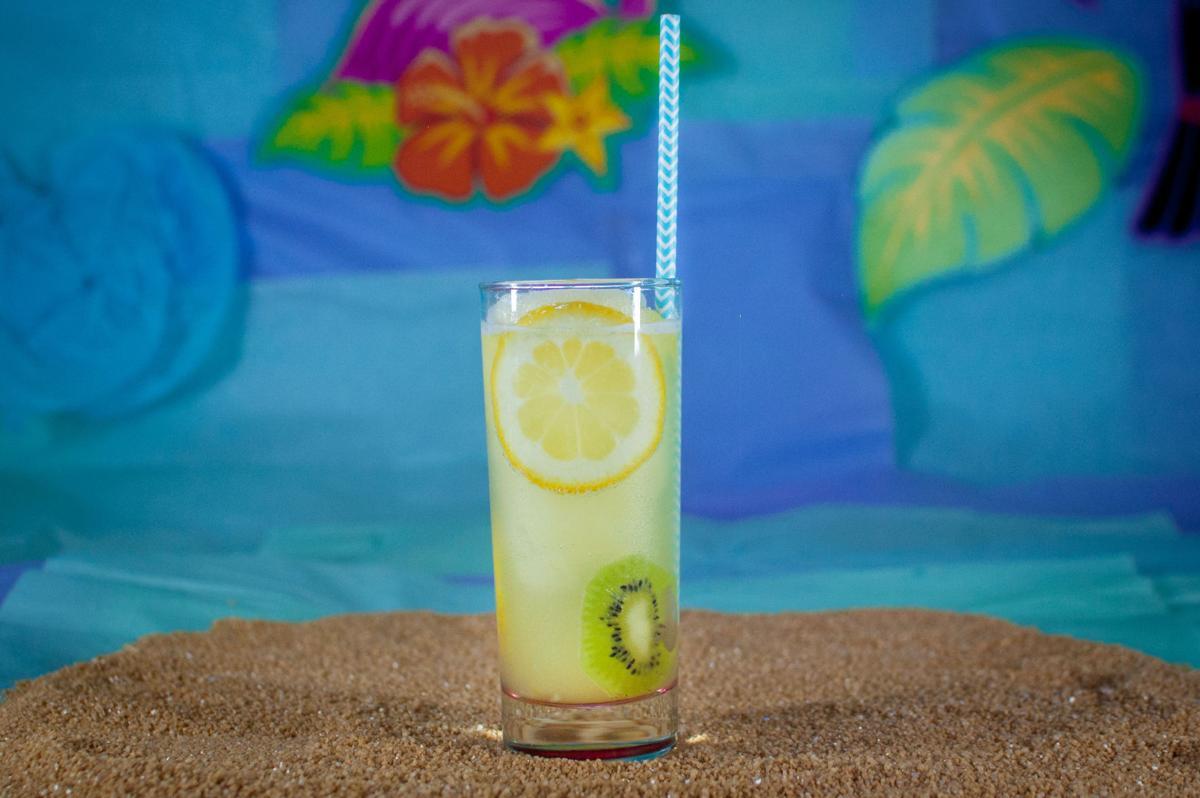 Eegee's kiwi gin fizz