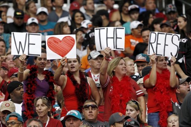 NFL notebook: Regular refs receive warm welcomes, get to work