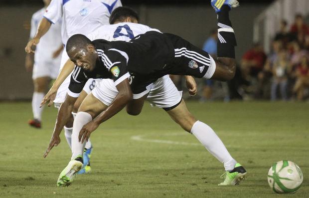FC Tucson 4, LA Misioneros FC 0: Passion, record crowd spark win