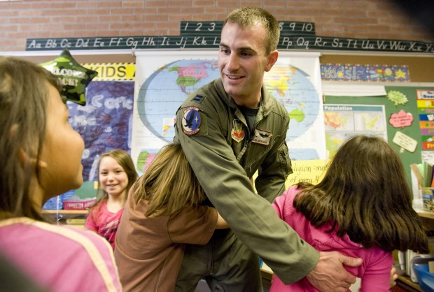 Pilot thanks students for cards, treats