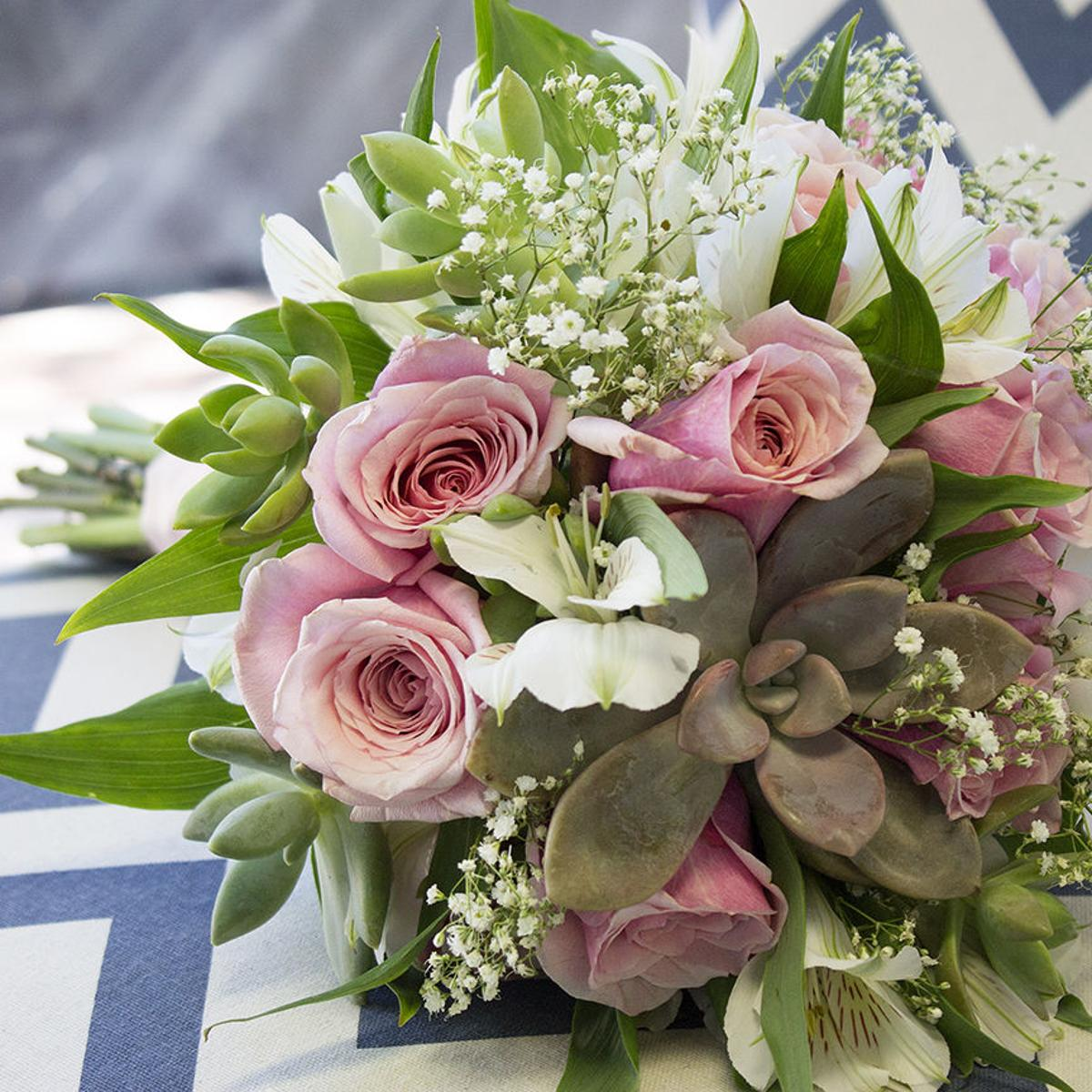 How To Make A Succulent Wedding Bouquet In 9 Easy Steps Tucson