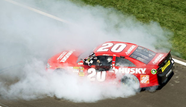 Auto racing: Kenseth gets Kansas lead, hangs onto it