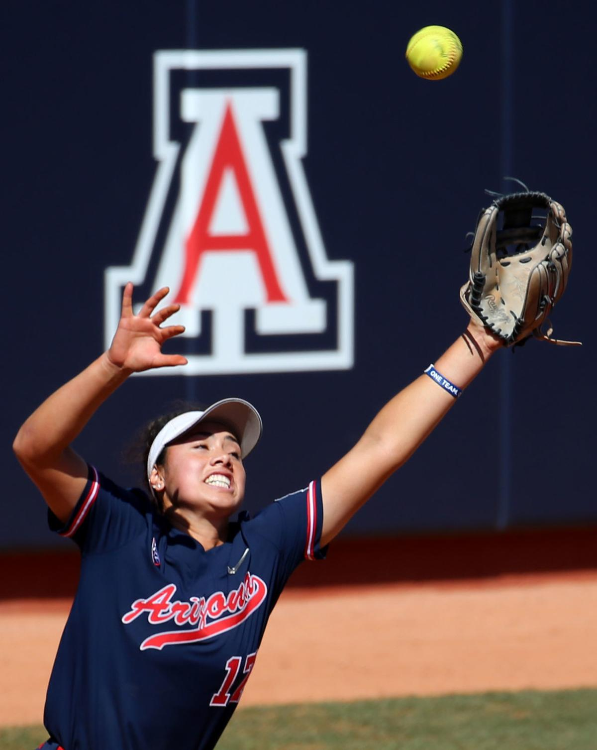 Arizona Wildcats 8, Oregon Ducks 0, Pac-12 softball