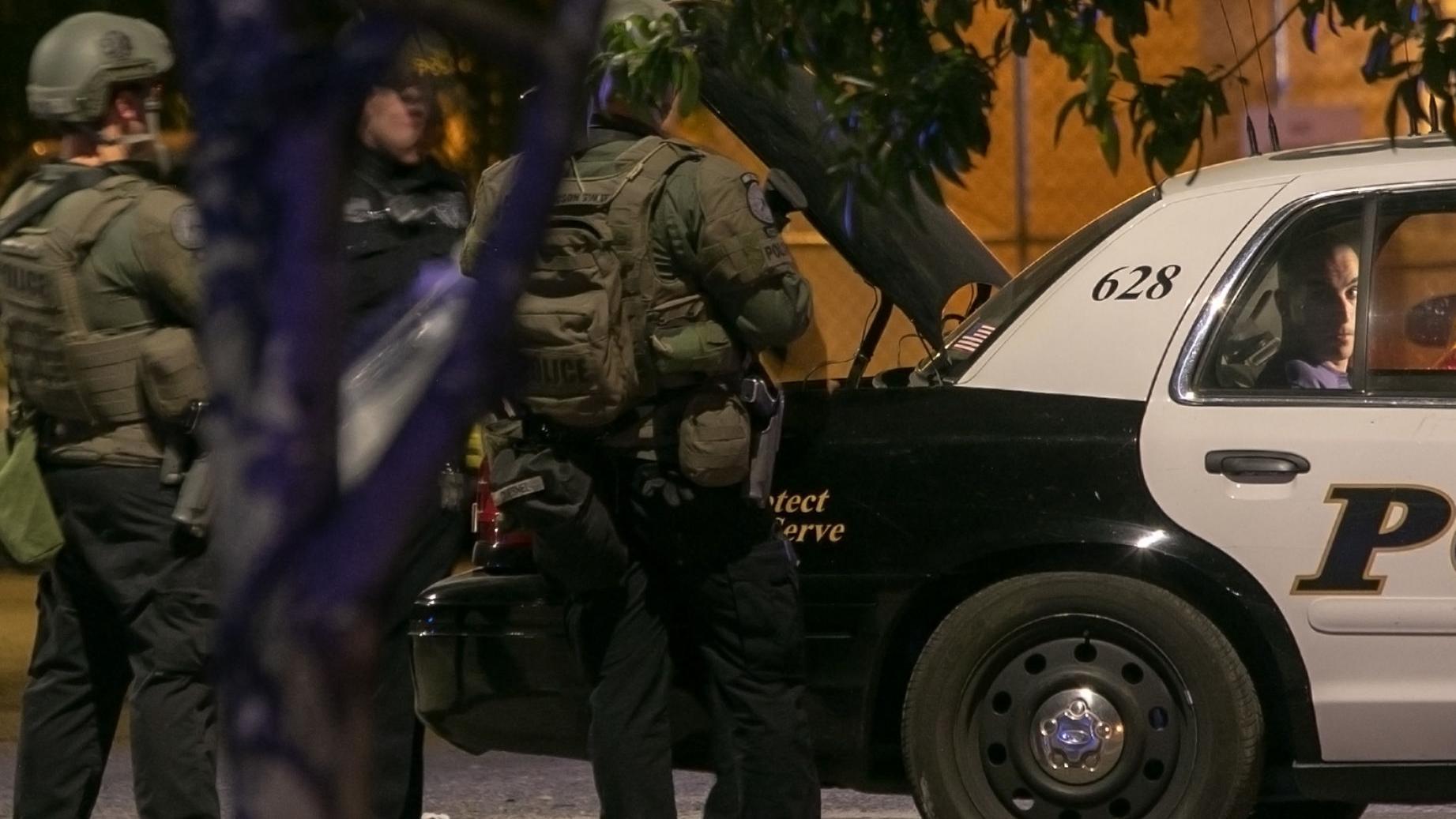 Deputy US marshal shot and killed serving arrest warrant on Tucson's north side