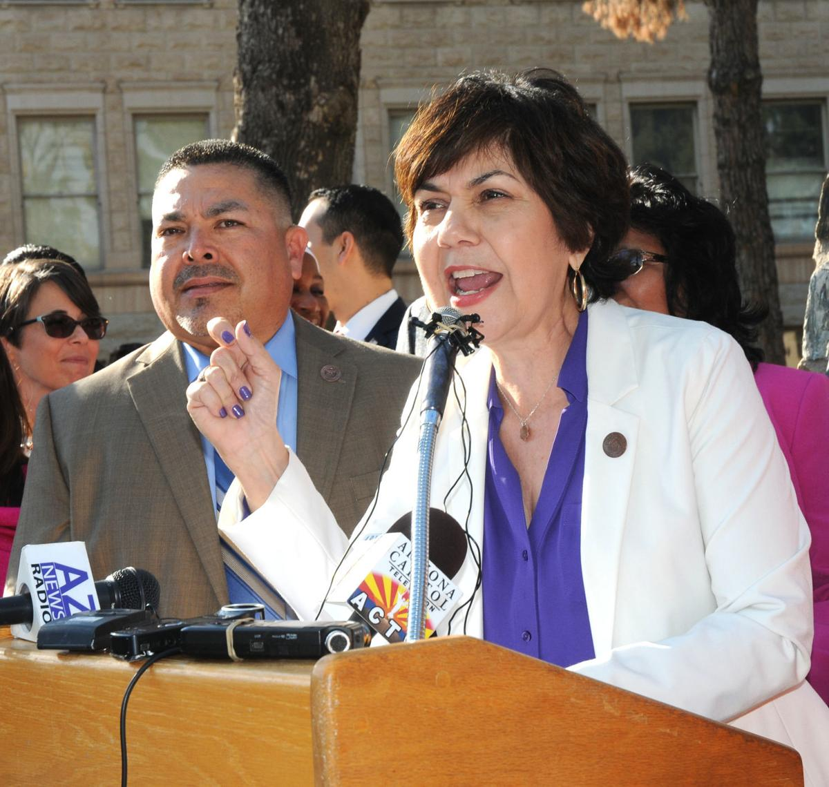 Top Democrat in Arizona House wants special legislative session to deal with gun measures