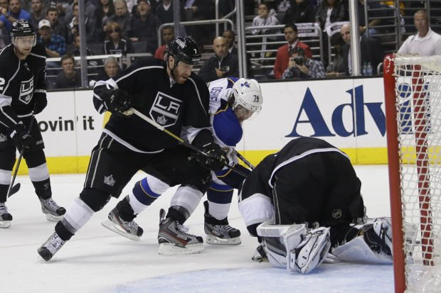 NHL playoffs: Kings 2, Blues 1: Defending champs oust Blues