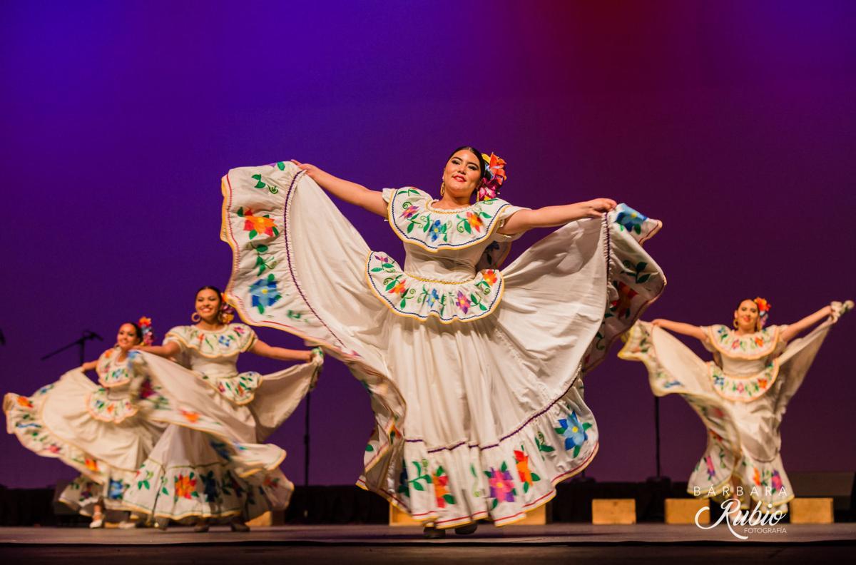 Ballet Folklorico Tapatío