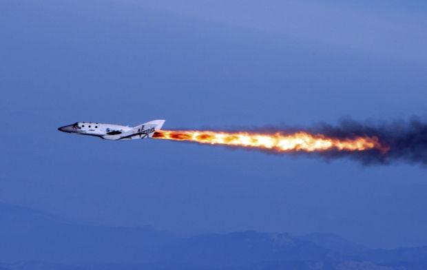 Space-tourism plane cracks sound barrier