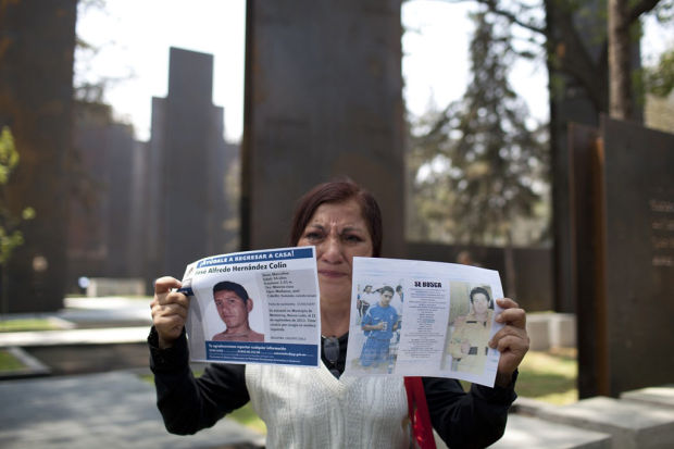 Drug-war monument comes under criticism in Mexico, and other world news