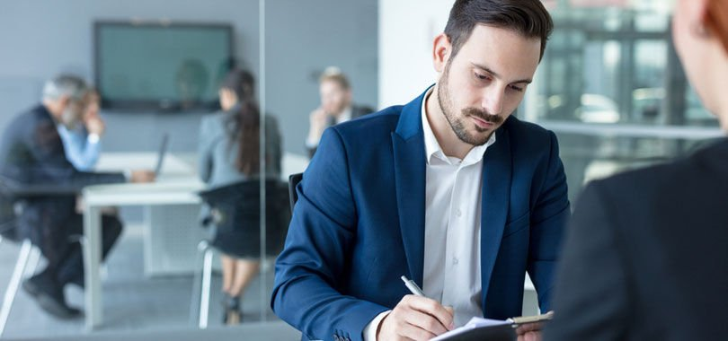 """How to answer """"Walk me through your resume"""" in a job interview"""