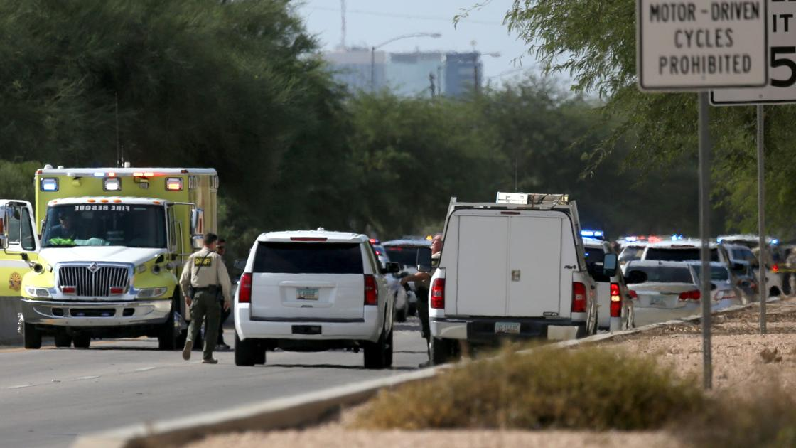 Carjacking, chase ends in shooting of gunman on busy Tucson roadway