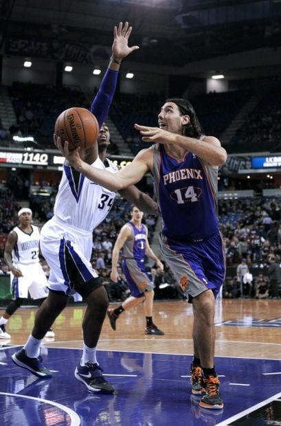 NBA: Suns 106, Kings 96: Suns win in Hunter's coaching debut