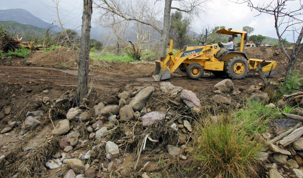 Storm whacks Cochise County; 2 swept away, but they're OK