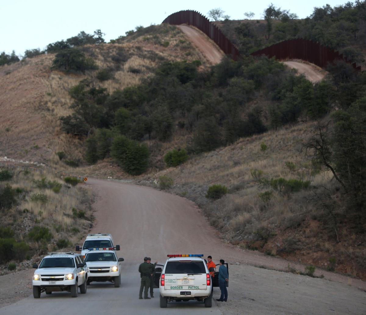 Frontera Border Fence LE