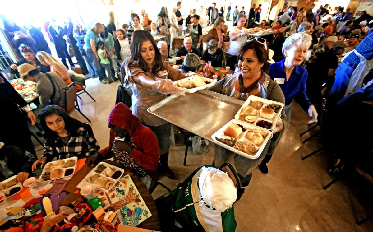 545 turkeys, 700 pies, side dishes needed for 3 community