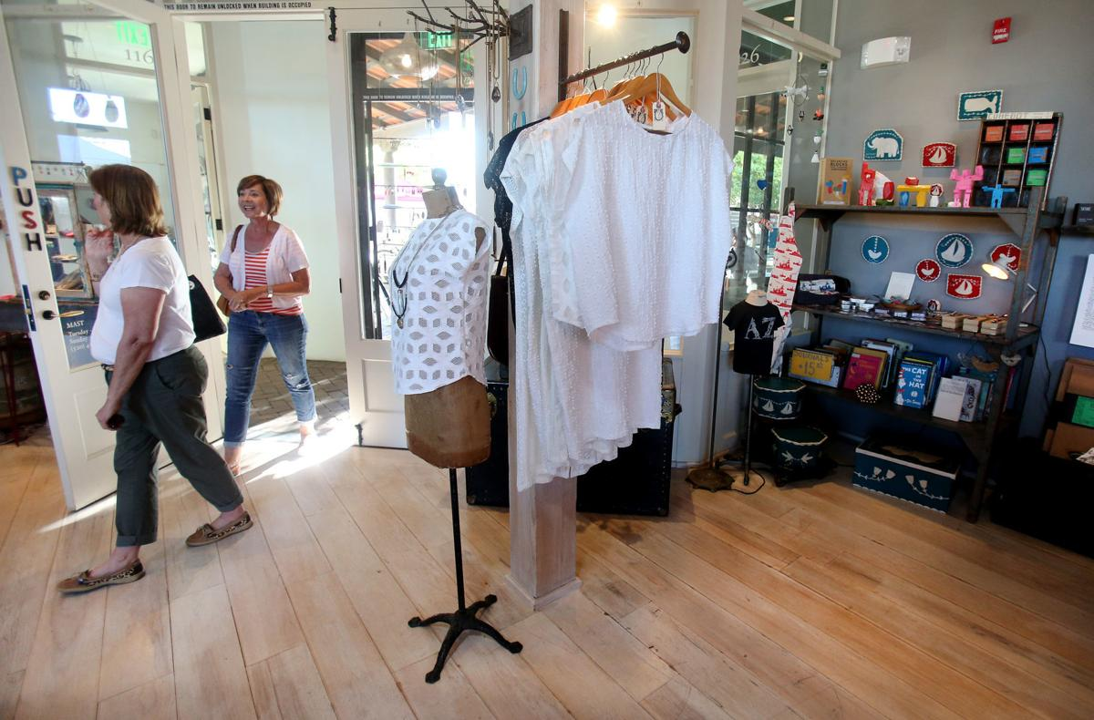 Shoppers get free streetcar rides, downtown-area discounts on Small Business Saturday