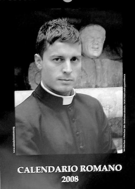 Calendario Curas Vaticano 2019.Lanzan Calendario De Sacerdotes Spanish Tucson Com