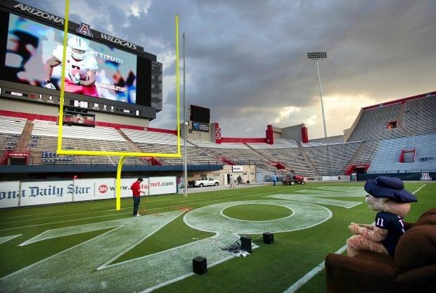 Arizona stadium upgrade: Screen pass: Scoreboard comes up 'huge'