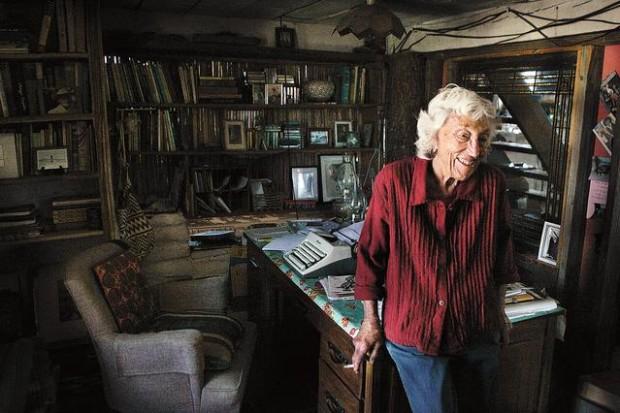 Bonnie Henry : Desert druid writes on