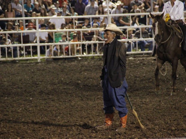 Rodeo clown banned from Mo. State Fair for Obama skit, mask