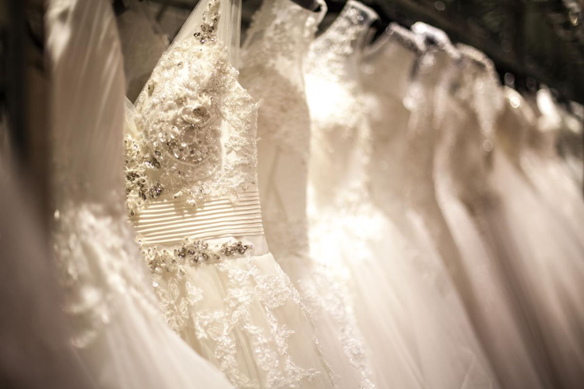 Tucson boutiques offer discounts to brides affected by dress ...
