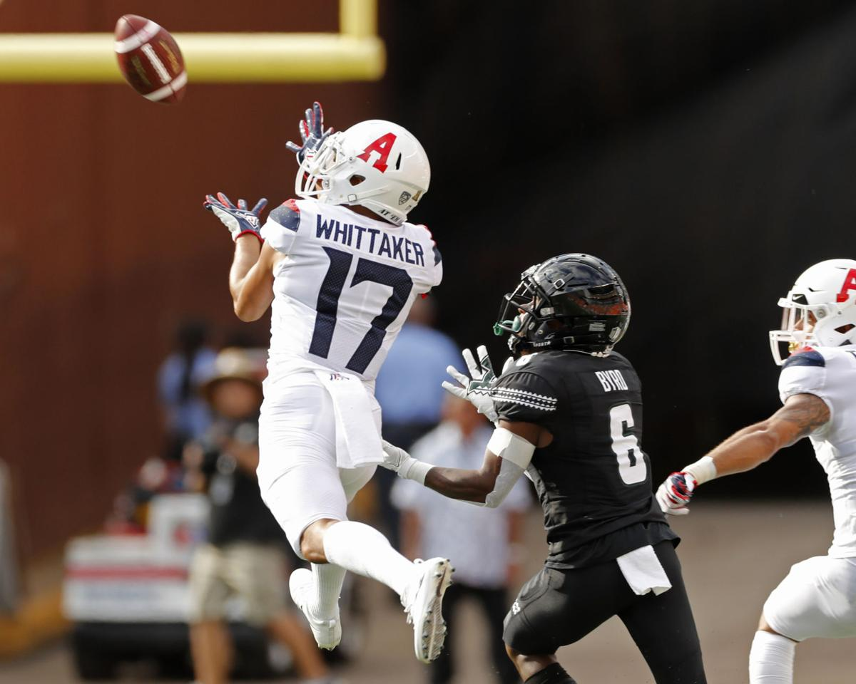 the best attitude e9ca1 0af9b Trouble in paradise after Wildcats fall to Hawaii 45-38 in ...