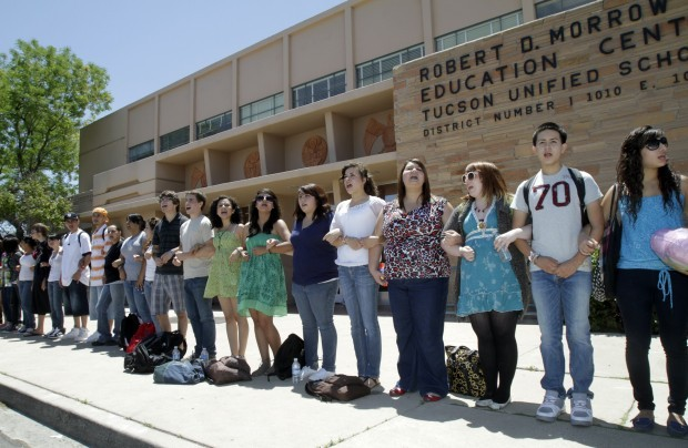 Students surround TUSD headquarters
