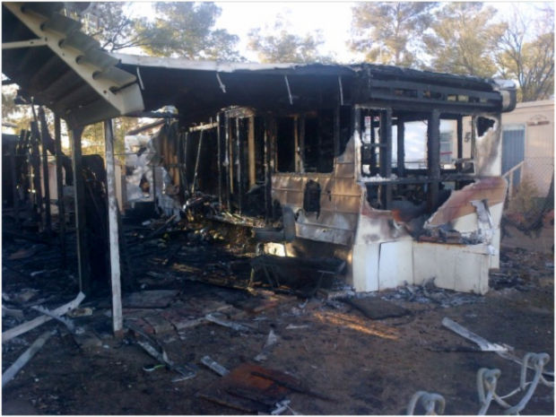 Fire damages 2 mobile homes on Tucson's south side